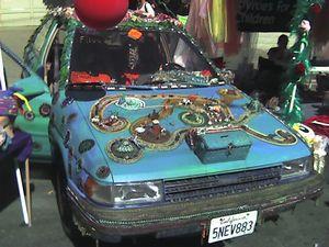 変な車-09
