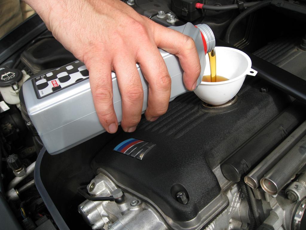 最新の省燃費規格 スターバーストマークに注目!エンジンオイルの選び方 Part-3