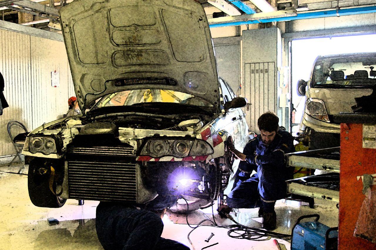 なぜ車検は高いのか?ディーラーや整備工場の車検が高い理由