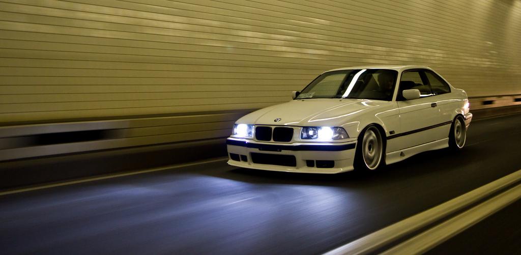 HIDライト(ディスチャージヘッドランプ)とは?今更聞けない自動車関連用語解説 Part-4