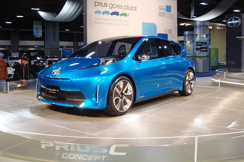 トヨタ「プリウスC(アクアの原型モデル)」