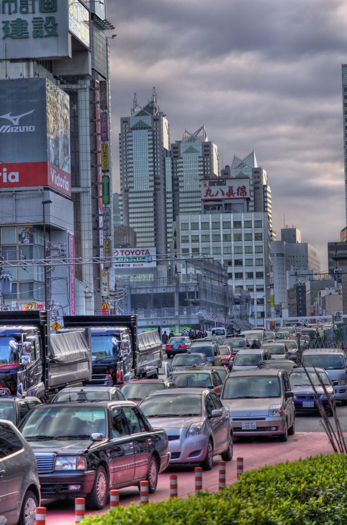 新宿の交通渋滞