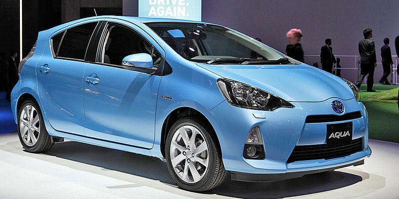 11月の乗用車新車販売台数ランキング。トヨタ「アクア」が2ヶ月連続の首位。日産「ノート」も好調維持