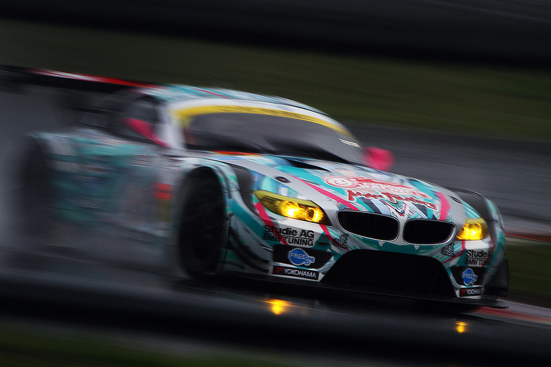 BMWの初音ミク仕様の痛レーシングカー「Z4」が間近で見れるチャンス!