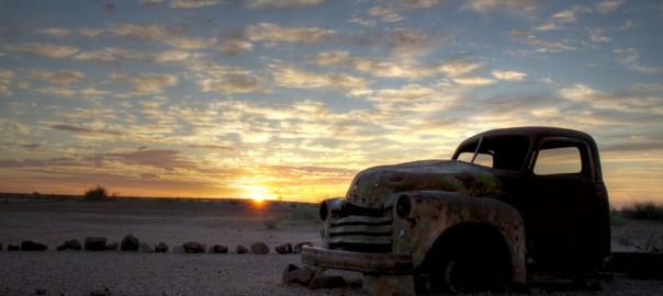 朽ち果てゆく錆びた車のある風景24枚(画像ギャラリー)