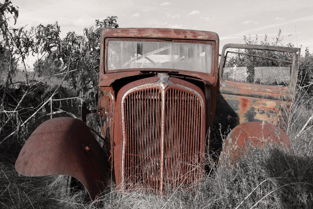 錆びた車-1