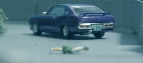 ミニカーのカーチェイス-1