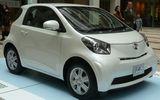 トヨタ自動車「iQ」