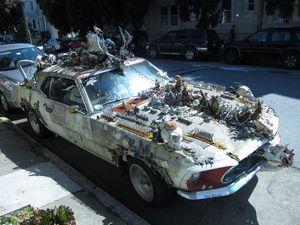 変な車-01