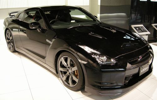 Nissan_GT-R_BlackEdition