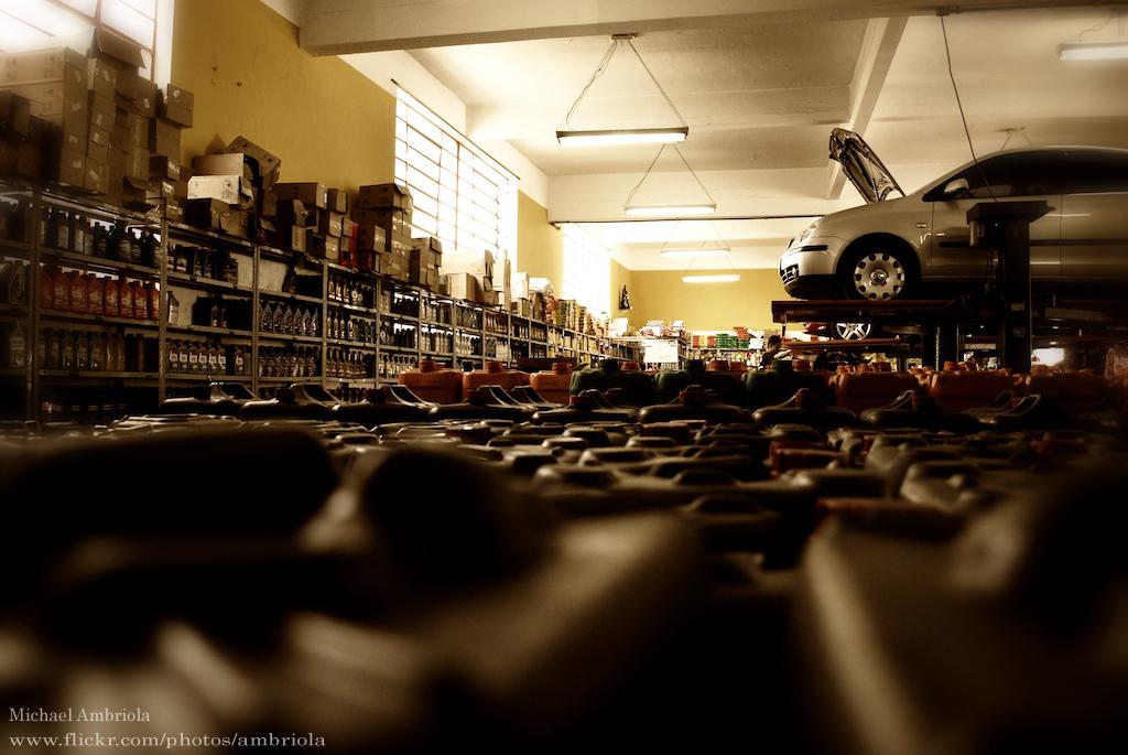 水抜き剤は本当に必要か?ガソリンスタンドの元店員から見たカーケア用品の謎