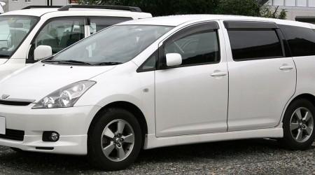 初代トヨタ「ウィッシュ」